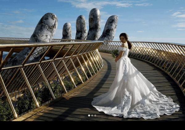 Cầu Vàng Đà nẵng Địa điểm chụp ảnh cưới ưa thích của các cặp đôi